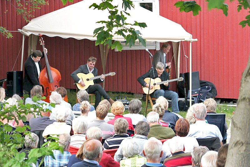 Hot Club de Norvège spiller 25. juni 2011