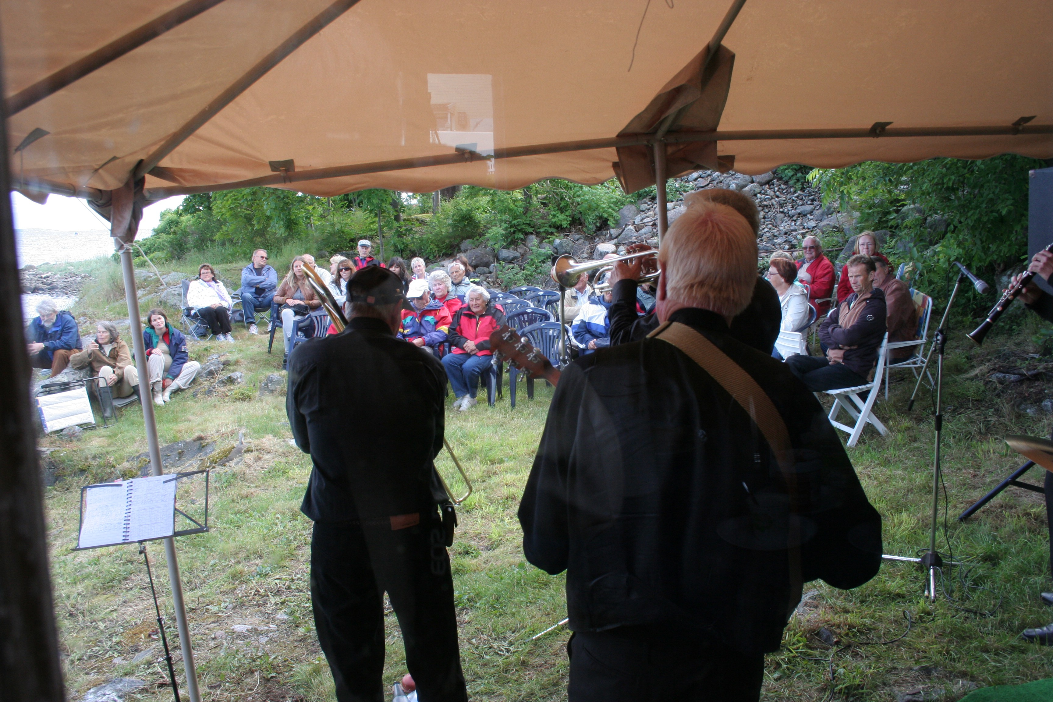 Cellar Jazzband konsert i aksjon